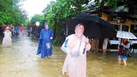 Heavy rains in central region cause receding floodwaters to rise