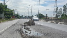 Minister suspends manager of HCMC-Trung Luong Expressway