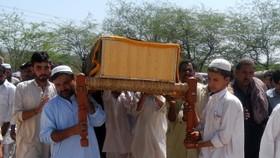 Car bomb kills Pakistan students: police