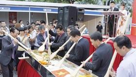'2012 Korean Food Festival' opens in Hanoi