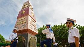 Hanoi hosts photo exhibition on Truong Sa archipelago