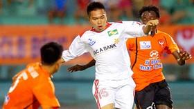 Vietnam's top football clubs in crisis