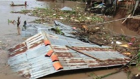 Mekong Delta faced with breached dykes, landslides