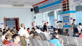 Saigon Railway Station to use different modes to sell tickets