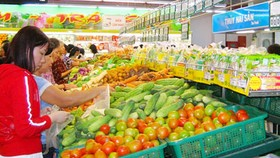 City ensures adequate supply of essential goods for Tet