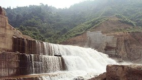 Several provinces stop hydropower projects
