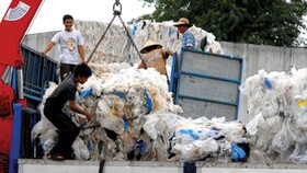 City converts junk plastic bags to synthetic diesel