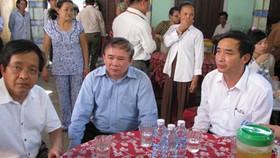 Lãnh đạo Bộ Giáo dục-Đào tạo thăm gia đình các cô giáo bị tai nạn ở Khánh Hòa