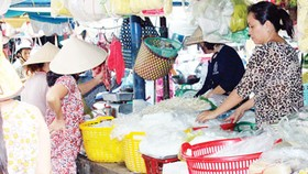 Rice vermicelli producers pledge not to use harmful additives