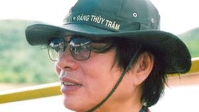 Director Dang Nhat Minh honored at Korean Film Festival