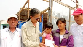 SGGP supports Storm 'Wutip' victims in Quang Binh Province