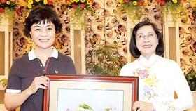 Chinese writers visit Ho Chi Minh City