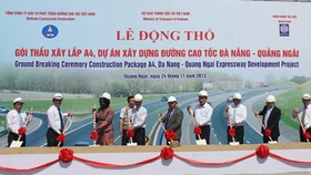 Cross section of Da Nang-Quang Ngai Expressway breaks ground