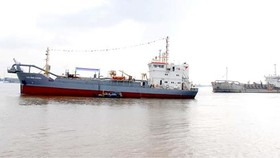 City leaders test dredging project on Soai Rap River