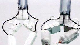 Robot phẫu thuật cho phi hành gia