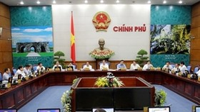 Cabinet meeting: PM Dung gives directions for economic activities