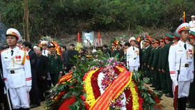 30,000 tourists visit  grave of General Vo Nguyen Giap during holidays