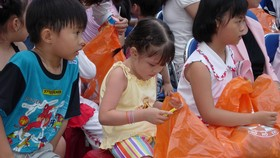 HCM City organizes Mid-Autumn Festival with fun-filled activities