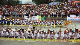 'Ngo' Boat Race Festival organized in Soc Trang