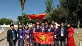 Vietnamese students win five medals at Int'l Junior Science Olympiad