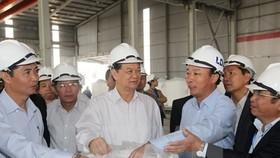 PM Dung takes tour of Tan Rai bauxite complex