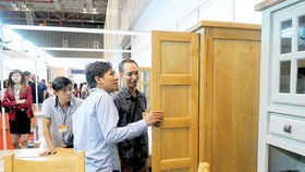 Vietnamese furniture companies seek for new direction