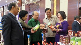 HCM City's businesses sign MoUs with Lao, Cambodian enterprises