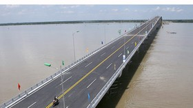 Co Chien Bridge opens for traffic in Mekong Delta