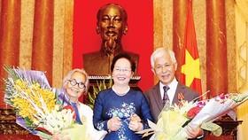 Professors Tran Thanh Van, Le Kim Ngoc awarded Friendship Order