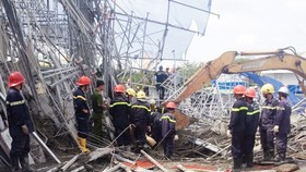Three dead, five injured in scaffolding collapse