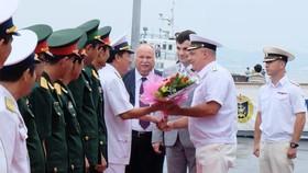 Russian navy vessels dock in Da Nang