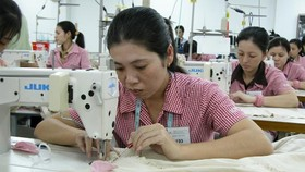 Foreign investors rush to garment, textile field