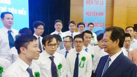 Vietnam to create favorable conditions for young scientists
