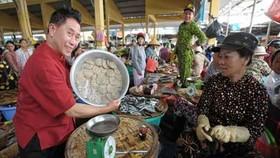 Master Chef Martin Yan visits KOTO Saigon