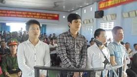 Thừa Thiên – Huế: 4 đối tượng cùng nhau đi ăn cướp lãnh án tù