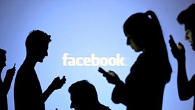 Public ask schools to give students instruction for using Facebook