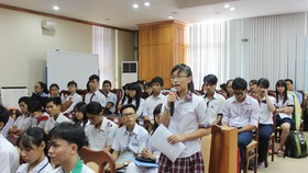 Good students talk to educators in HCMC