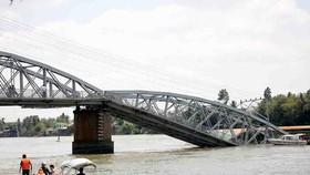 Rebuilding of collapsed railway bridge to start on April 1