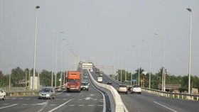 Truck saturation causes road toll revenue behind plan