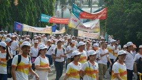 Over 5,000 people walk for Agent Orange victims