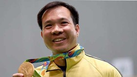 PM congratulates shooter Hoang Xuan Vinh