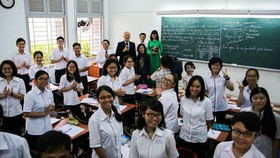 French Minister of State visits Le Hong Phong High School in HCMC