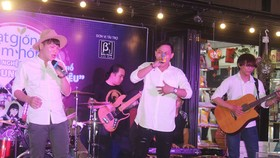 Street music performance held at book street