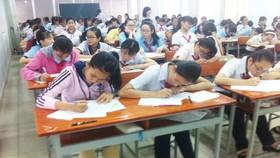 144 thí sinh được chọn thi cấp thành phố Cuộc thi Prudential- Văn hay chữ tốt