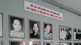 """Khai mạc trưng bày chuyên đề """"Nữ đại biểu Quốc hội"""""""