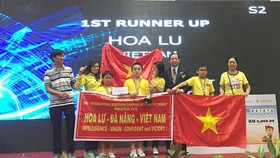 Vietnamese students win two first prizes from int'l robotics competition