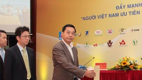 Vietnam Airlines supports VND 2.1bln to flood hit people