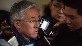 Ex-minister grilled over blacklist of cultural figures