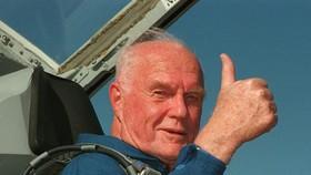 Phi hành gia Mỹ đầu tiên bay quanh Trái Đất qua đời