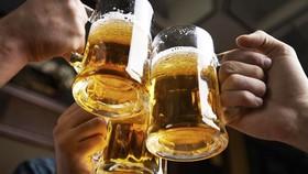 """Dùng giáo dục """"đào gốc"""" rượu bia"""